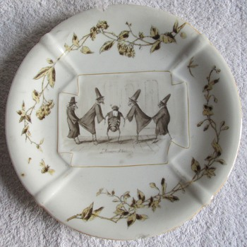 Can anyone help identify this tableware, please? - China and Dinnerware