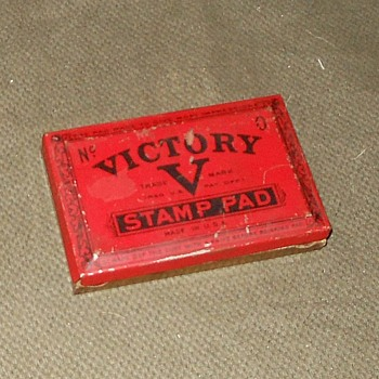 Vintage V for Victory Stamp Pad - Office