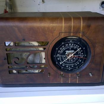 VINTAGE 1938 ZENITH CUBE 6 TUBE SUPERHETERODYNE 3 BAND RADIO 6-S-223 - Radios