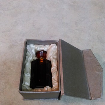 GLASS SCENT BOTTLE