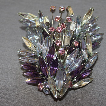Stunning Brooch - Costume Jewelry