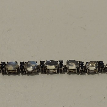 Can anyone help with this bracelet?   - Fine Jewelry