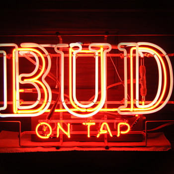 BUD ON TAP Flashing Neon