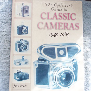1945-1985-classic cameras collecting-book from 1989. - Cameras
