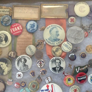 Some of my buttons and pins - Military and Wartime
