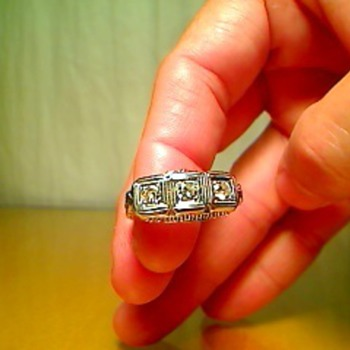 Grandmothers ring - Fine Jewelry