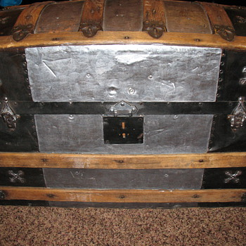 Antique dome top trunk - Furniture