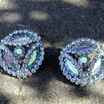 Vintage Earrings - Carnival - Costume Jewelry