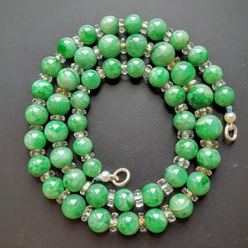 Jadeite and faceted crystal rondelles necklace.