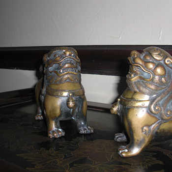 Bronze set of Japanese Shishi lions - Asian