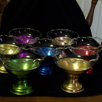 colored aluminum dessert dishes - Glassware