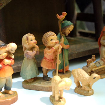 "ANRI Ferrandiz 3"" Nativity (1970's)"