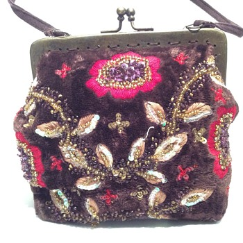 Vintage looking handbag
