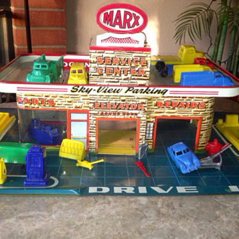 Marx Tin Litho Sky View Service Station w/Accessories - Toys