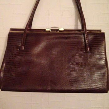 Vintage bag alligator/snake/lizard/help need it?