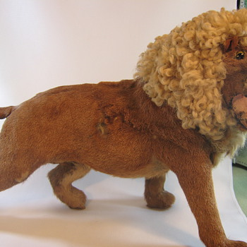 Unusual lion model
