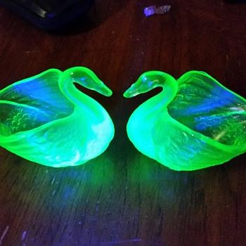 2 Uranium Glass Swans - Glassware