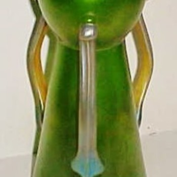 Loetz Ausfhurung 9 Three Handled Vase c.1907 - Art Glass