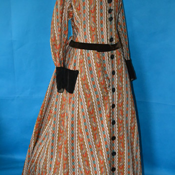 1860's Civil War era paisley wrapper...what a find! - Womens Clothing