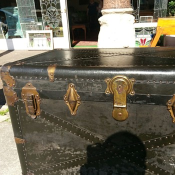 Luggage chest, can you help?