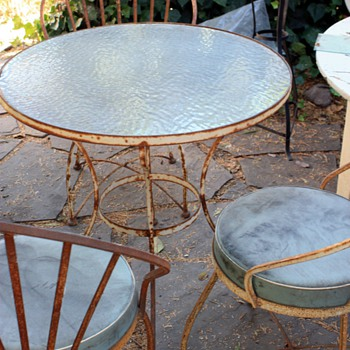Outdoor Table & Chairs - Mid Century Modern