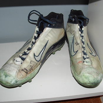 Christian Fauria Superbowl XXXVIII Game Worn Cleats - Football
