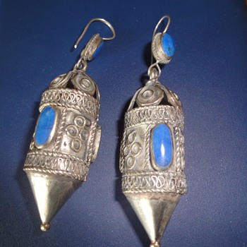 Antique ethnic Afganistan silver earrings inlaid Lapis Lazuli