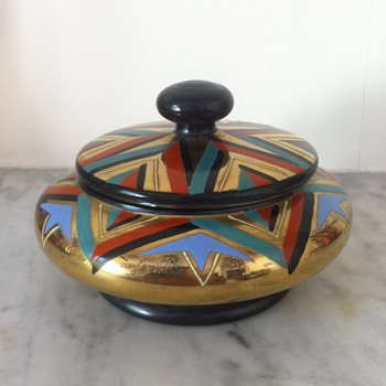 Art Deco enamelled and gilded powder dish ?Haida or Steinschoenhau