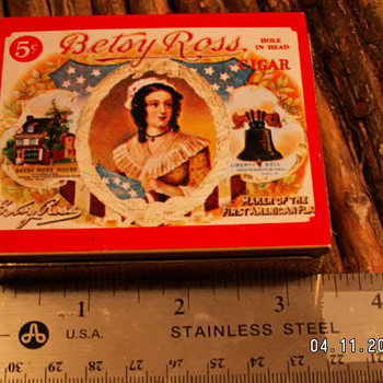 Vintage  Betsy Ross 5¢ Cigar Tin  - Tobacciana