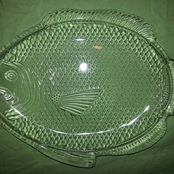 Poisson Fish Shape Molded Clear Glass Plate
