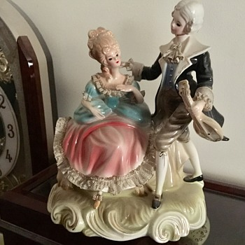 Josef original couple figurine