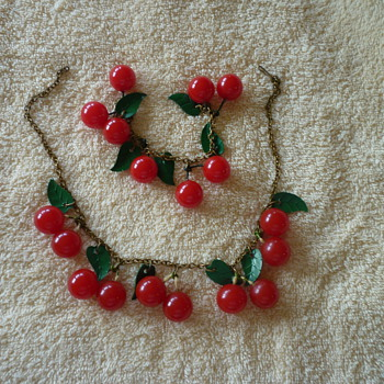 Bakelite Cherry Necklace - Costume Jewelry