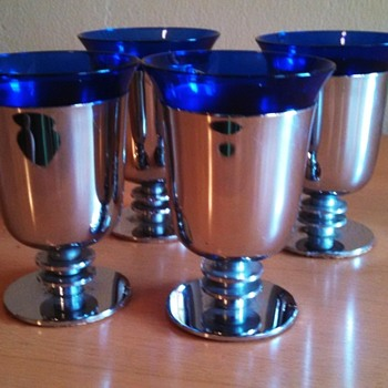 Art Deco Walter Von Nessen Cocktail Cups (Chrome and Cobalt Version) - Art Deco