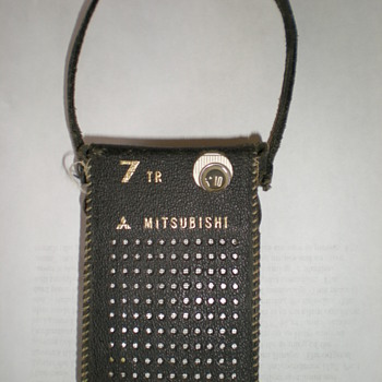 MITSUBISHI TRANSISTOR RADIO 1960S