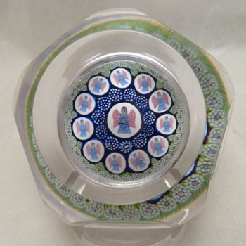 Whitefriars 1975 Christmas paperweight Host of Angels  - Art Glass