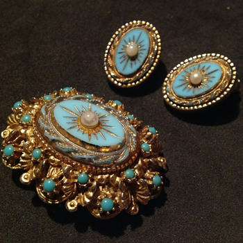 Vintage Sphinx brooch and earrings. - Costume Jewelry