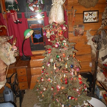 My Christmas Tree Finely Festooned with Vintage Decorations - Christmas