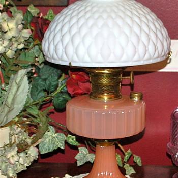 VINTAGE ALADDIN OIL/KEROSENE LAMP