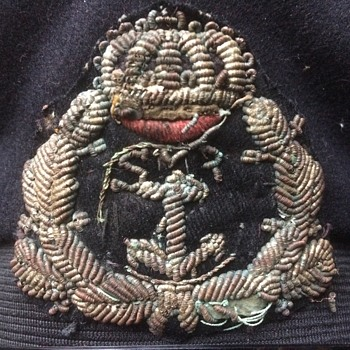 Mistery cap badge