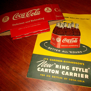 "1950s ""Ring Style"" Coca-Cola cardboard carrier"
