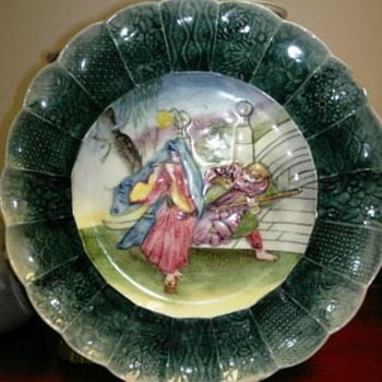 Beautiful  Oriental  plate  - Art Pottery
