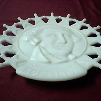 A WASHINGTON MILK GLASS PLATE
