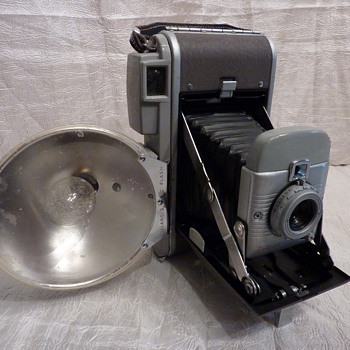 Polaroid Model 80 - Cameras