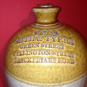 A lovely big smith &amp; tyers old bottle for (beer or ale??) LONDON 