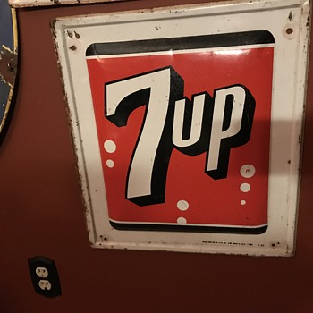1962 7 up tin sign. - Advertising