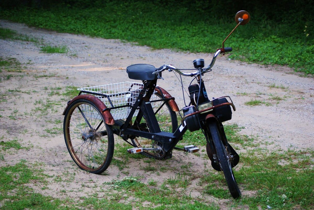 Re solex honey hole in ohio solex trike by brianc for Decoration jardin velo