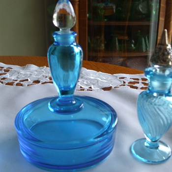 FOSTORIA PERFUME BOTTLE & POWDER BOX Combo. in BLUE - Glassware