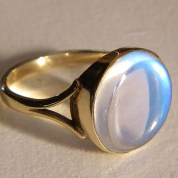 Art Deco Ceylon Moonstone 9ct Ring - Fine Jewelry