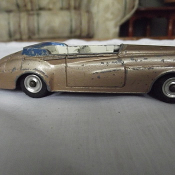 gold bentley  dinky toys