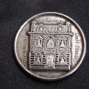 Virginia Victorian Dollhouse Medal Token Coin - Advertising